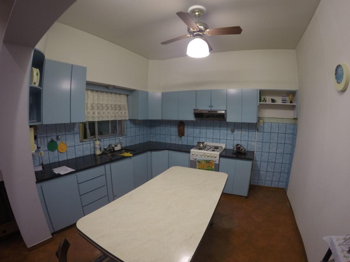 casa en venta de 3 dormitorios en mataderos