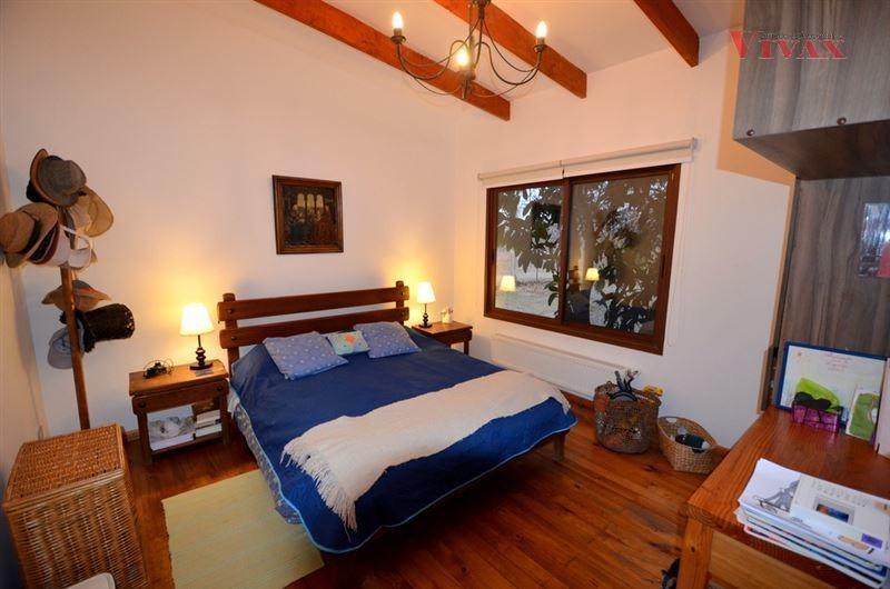 casa en venta de 3 dormitorios en pirque