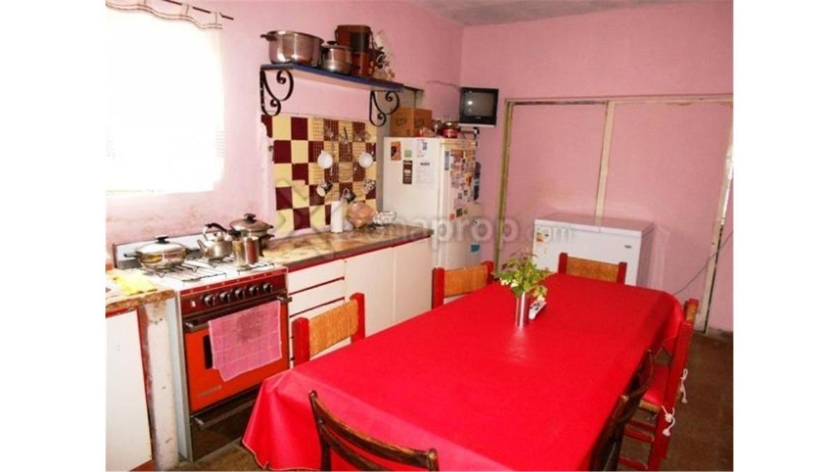 casa en venta de 3 dormitorios en udaondo ituzaingo