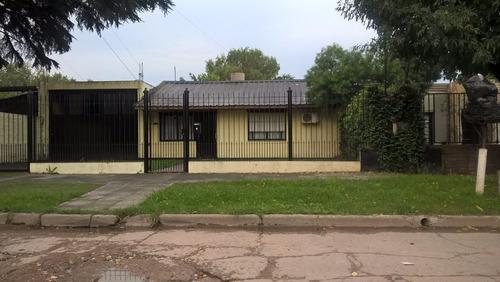 casa en venta de 4 ambientes en temperley