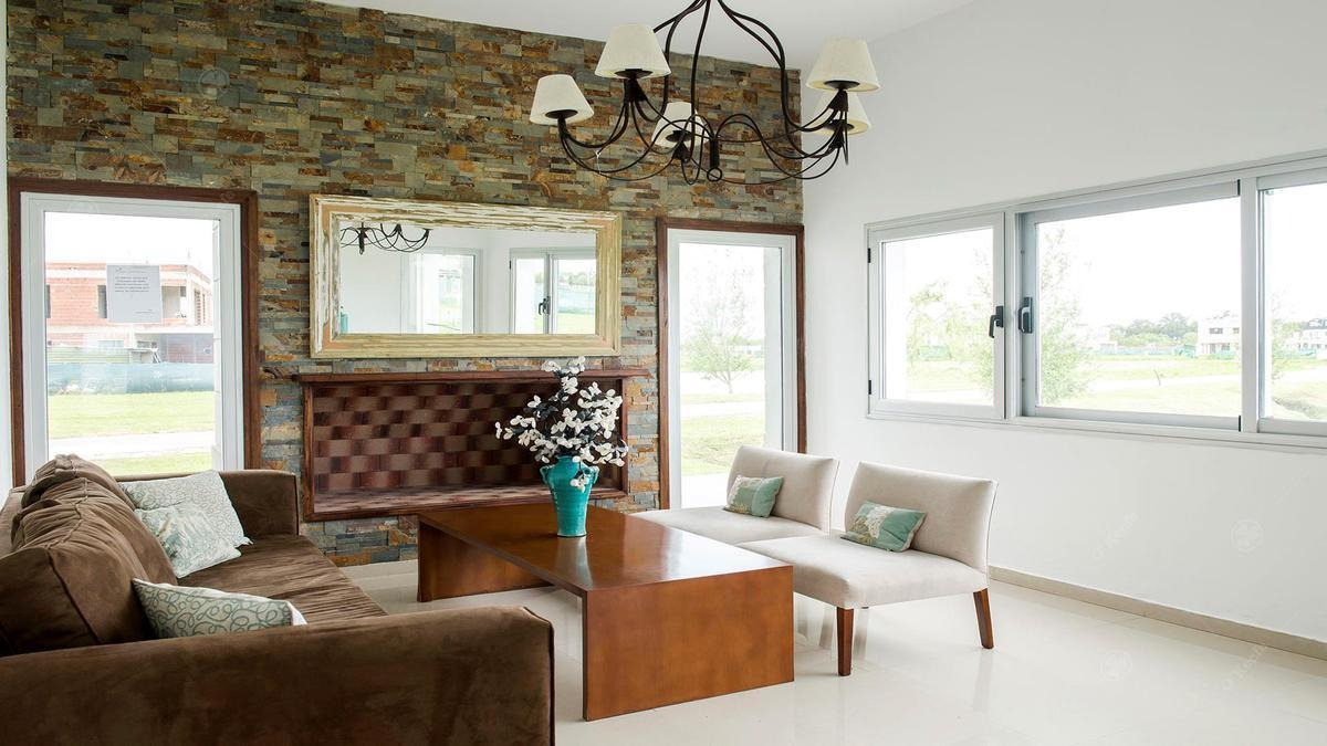 casa en venta de 4 ambientes las golondrinas guillermo hudson !!!! muy buena distribución!