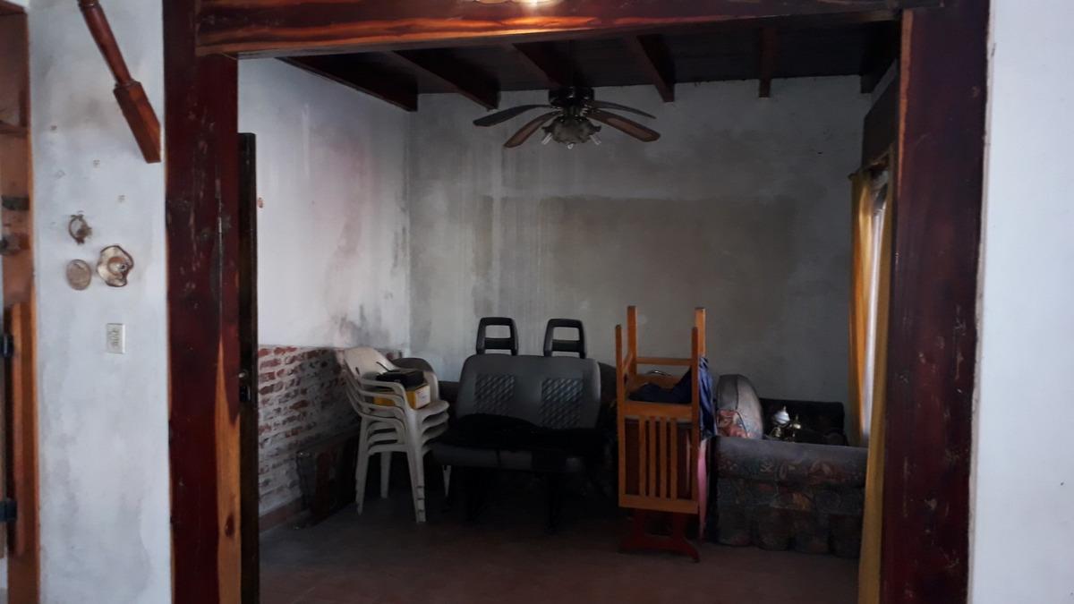 casa  en venta de 4 ambientes moron