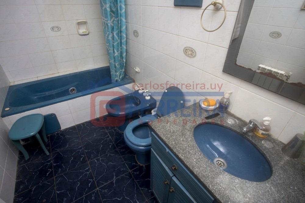casa en venta de 4 dormitorios, 3 baños, fondo, garaje x 2
