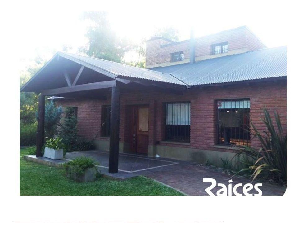 casa en venta de 4 dormitorios c/ cochera en otros barrios