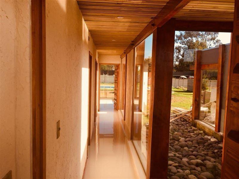 casa en venta de 4 dormitorios en algarrobo