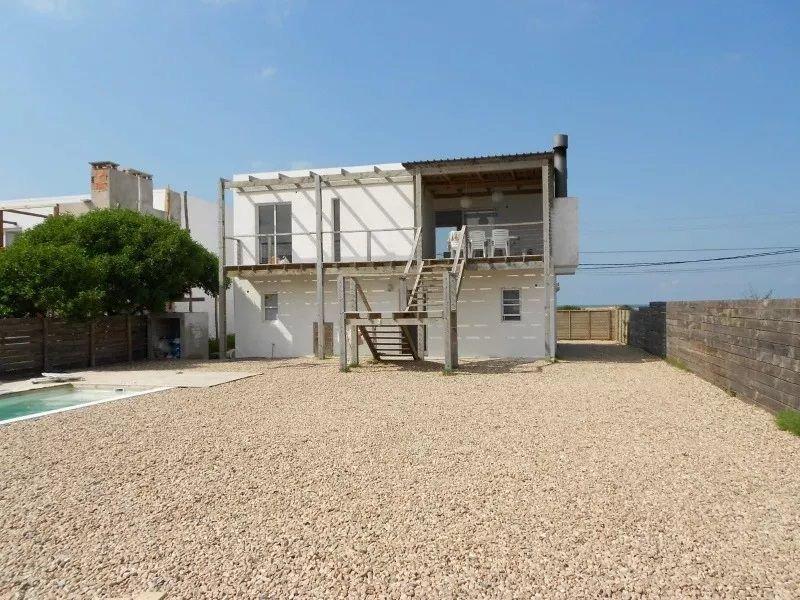 casa en venta de 4 dormitorios en balneario buenos aires