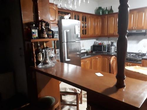 casa en venta de 4 dormitorios en la cumbre, la plata.