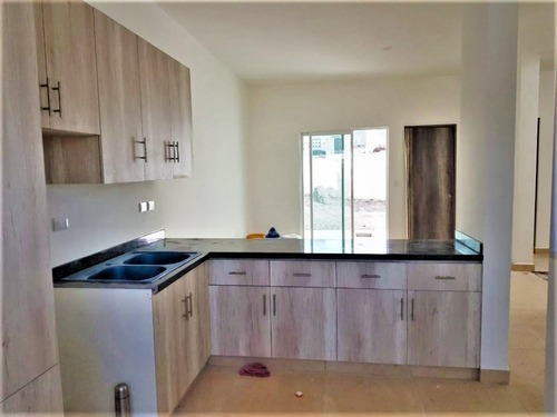 casa en venta de 4 recámaras y 4 baños completos