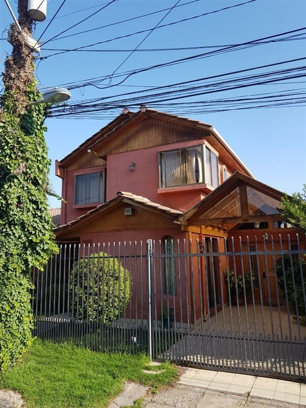 casa en venta de 5 dormitorios en estación central