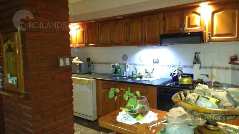 casa en venta de 6 ambientes en juan brown 300 - florencio varela
