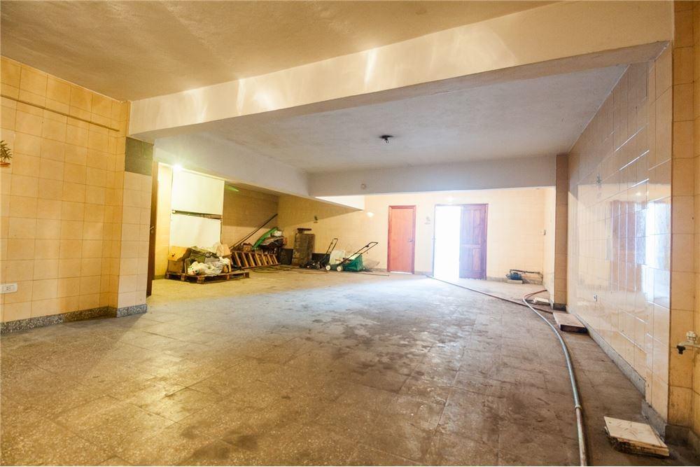 casa en venta de 6 ambientes en lanus oeste centro