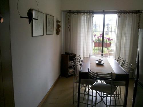 casa en venta de 6 ambientes por lomas del mirador
