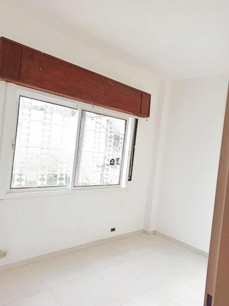 casa en venta de 6 ambientes y dos banos 84000 mil dólares