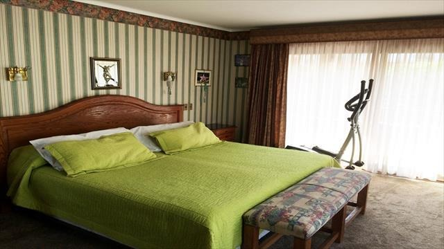 casa en venta de 7 dormitorios en la reina
