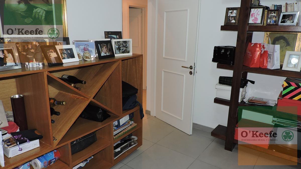 casa en venta de cinco ambientes apto crédito en lote central