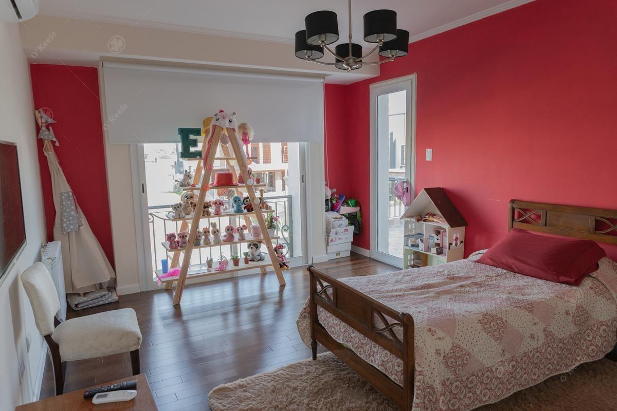 casa en venta de cuatro dormitorios!! de estilo unico! en las golondrinas
