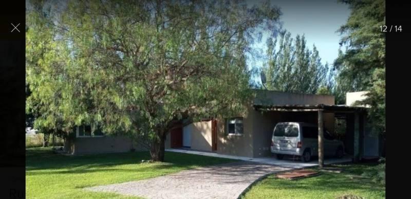 casa en venta de cuatro dormitorios, en club de campo la cán