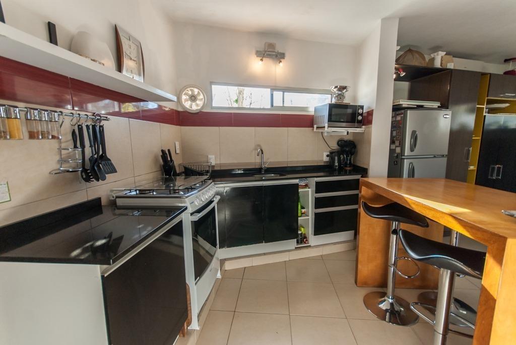 casa en venta de de 2 dormitorios en playa mansa