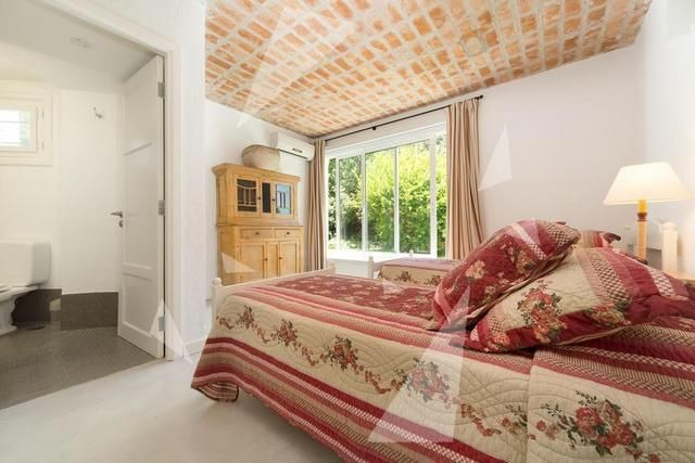 casa en venta de de 6 dormitorios en punta del este