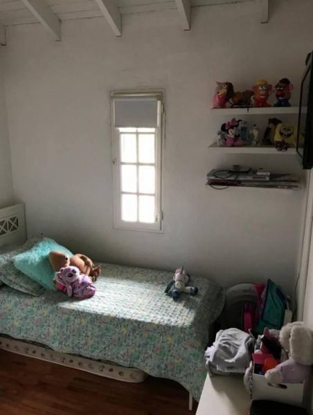 casa en venta de tres dormitorios con garage y parque en man