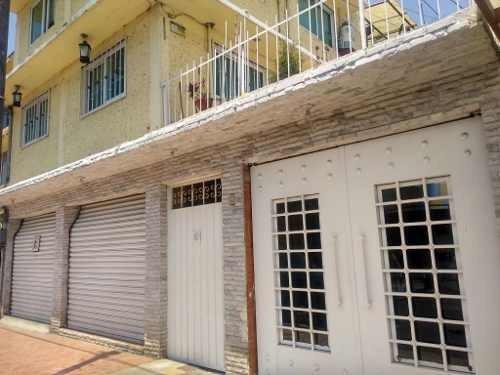 casa en venta de tres niveles con 2 accesorias en ejercito de oriente, iztapalapa