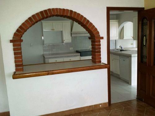 casa en venta de un nivel estilo mexicano con gran jardin
