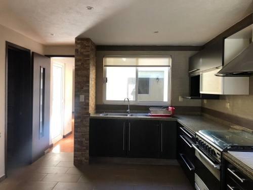 casa en venta de un piso 747 mts2 zona camino real a momoxpan zona explanada