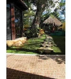 casa en venta de una planta con jardin amplio en cholul, merida, yucatan