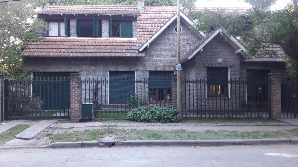 casa en venta destino institucional/comercial diag. 9 de julio  e/ 13 a y 13 b