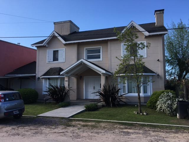 casa en venta en 11/463 y 464 el quimilar - alberto dacal propiedades