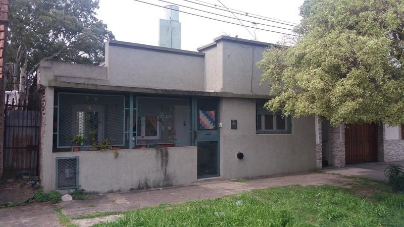 casa en venta en 119/ 35 y 36 la plata - alberto dacal propiedades