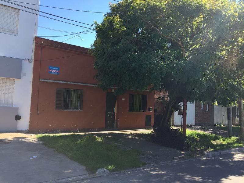 casa en venta en 12 510 y 511 manuel b gonnet - alberto dacal propiedades