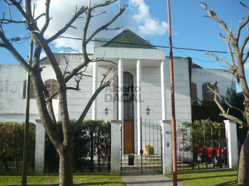 casa en venta en 13c/461d city bell - alberto dacal propiedades