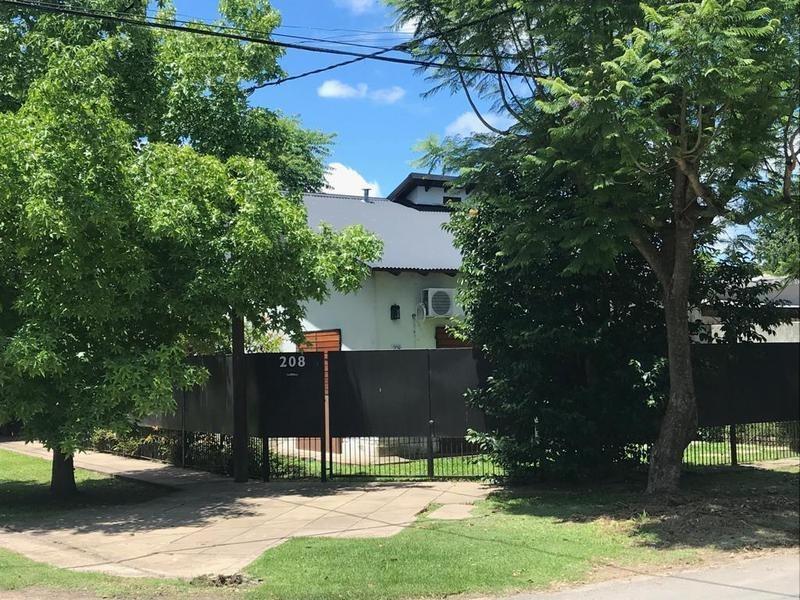 casa en venta en 14 esq 461c city bell - alberto dacal propiedades