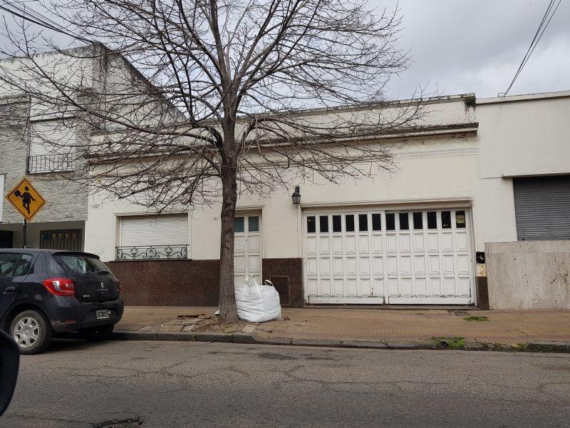 casa en venta en 14/45 y 46 la plata - alberto dacal propiedades