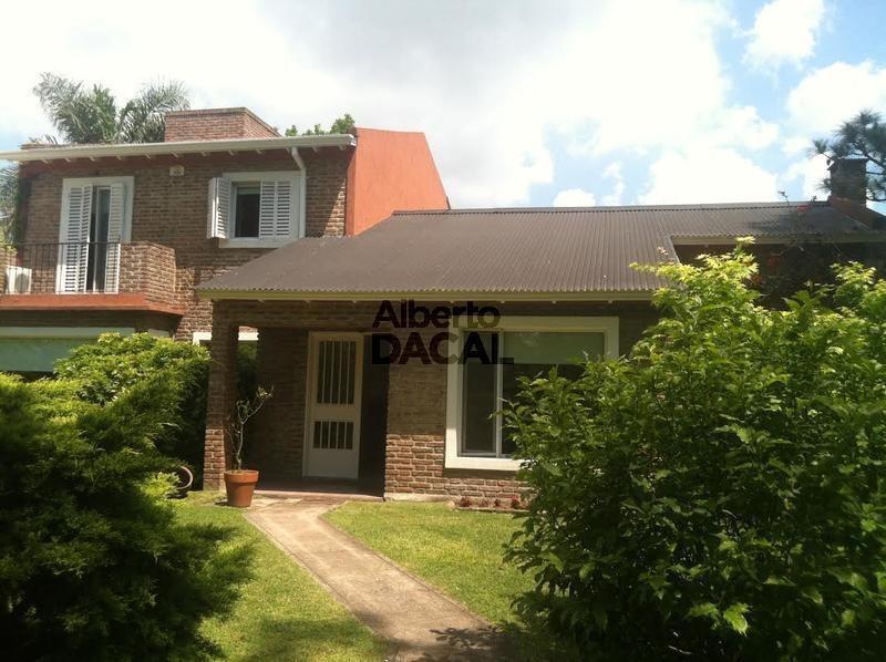casa en venta en 16/474 y 476 city bell - alberto dacal propiedades