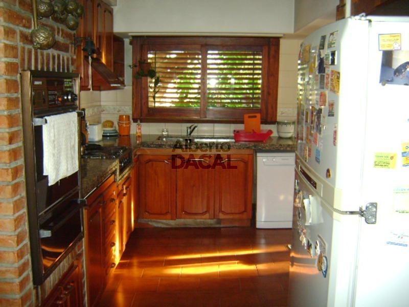 casa en venta en 21/32 y 33 la plata - alberto dacal propiedades