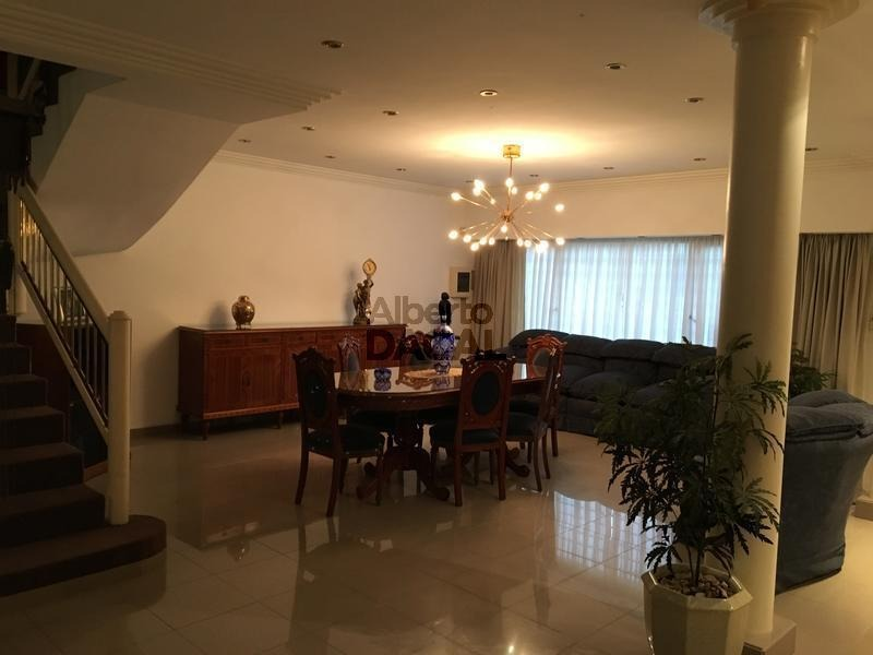 casa en venta en 25/42 y 43 la plata - alberto dacal propiedades