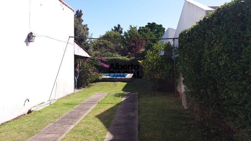 casa en venta en 25/484 y 485 manuel b gonnet - alberto dacal propiedades
