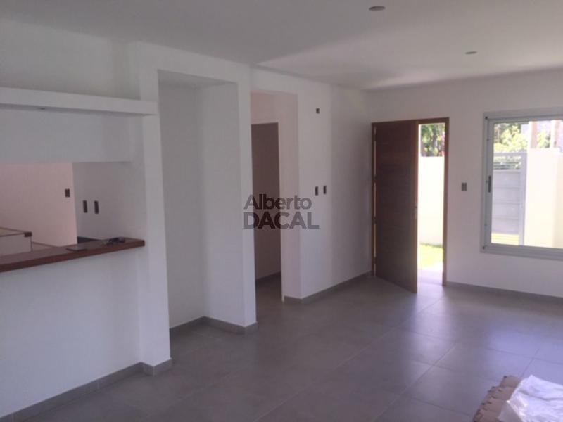 casa en venta en 25/493 manuel b gonnet - alberto dacal propiedades