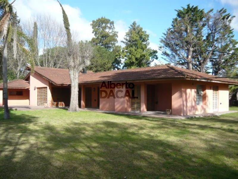 casa en venta en 28/443 y 446 city bell - alberto dacal propiedades
