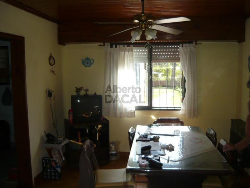 casa en venta en 31/483 y 484 manuel b gonnet - alberto dacal propiedades