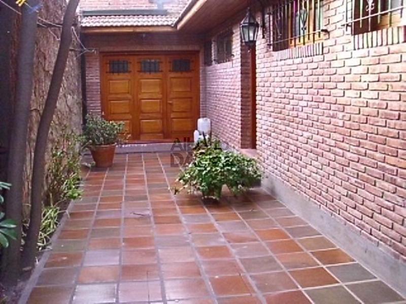 casa en venta en 35/2 y 3 la plata - alberto dacal propiedades