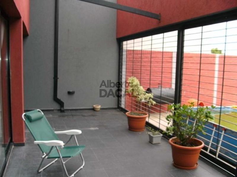 casa en venta en 42/144 la plata - alberto dacal propiedades