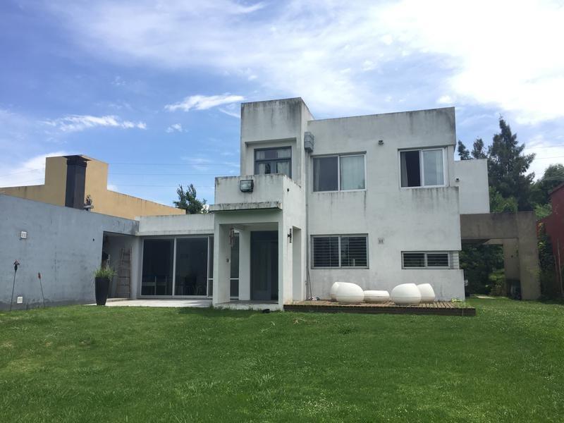 casa en venta en 472/136 bis y 137 city bell - alberto dacal propiedades