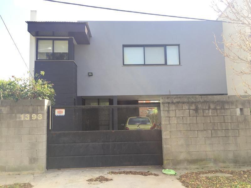 casa en venta en 481/8 y 10 manuel b gonnet - alberto dacal propiedades