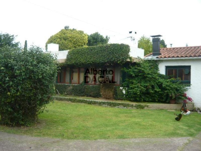 casa en venta en 492 esq. 24 manuel b gonnet - alberto dacal propiedades