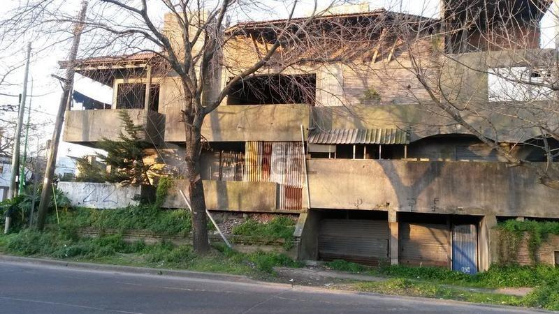 casa en venta en 66 esq. 121 la plata - alberto dacal propiedades