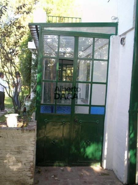 casa en venta en 8/478 y 479 city bell - alberto dacal propiedades