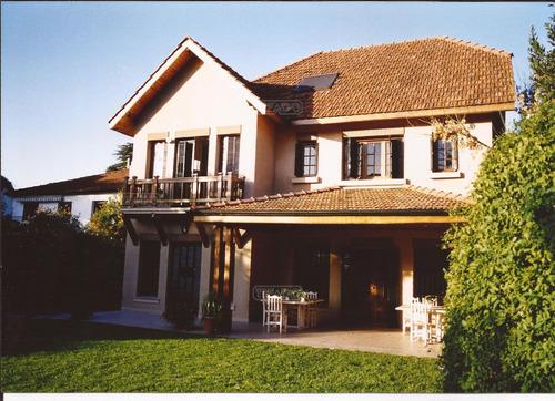 casa  en venta en  acassuso, zona norte